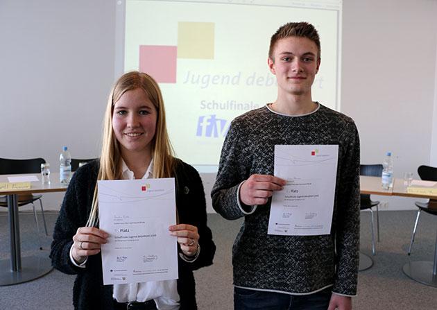 Die Schulsieger Paulina Budde und Joshua Steinmann (Foto: Noah Grinewitzki)