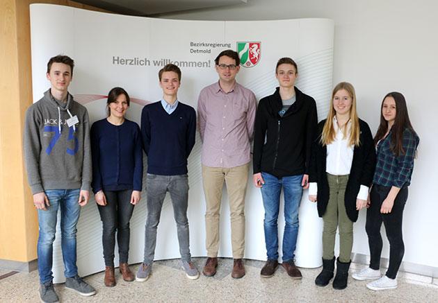 von links nach rechts: Michel Müßigbrodt (Ersatzkandidat), Annika Mazziotti, David Schütte (Jury), Tim Schallenberg (Jury), Joshua Pepe Steinmann, Paulina Budde, Isabell Exner (Ersatzkandidatin)