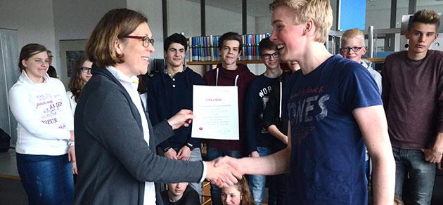Erfolg bei Politikwettbewerb stockt die Klassenkasse auf