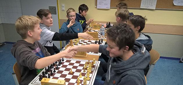 Freiherr-vom-Stein-Gymnasium-Bünde erfolgreich bei den Schulschach Kreismeisterschaften 2016