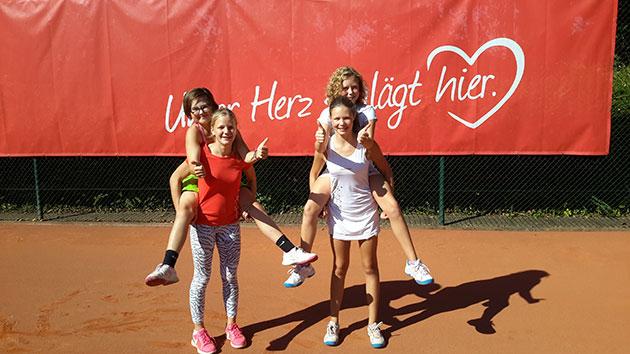 Finja Ueckermann (links oben), Luna Habighorst (l.u.), Angelina Gallwas (r.o.), Charleene Gallwas (r.u.)