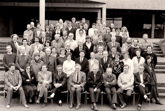 Lehrerkollegium mit Schulleiter Erwin Peitzmann im Jahre 1988