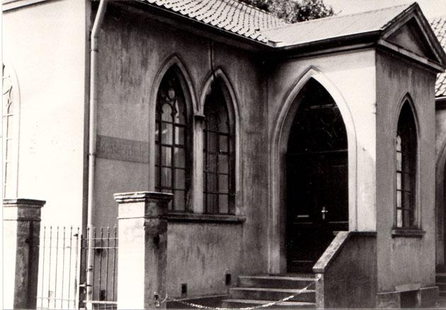 Erstes Schulgebäude des späteren Freiherr-vom-Stein-Gymnasiums (vormals Höhere Knabenschule): die Auf`m Rott gelegene ehemalige Zionskapelle beherbergte die Schule von 1888 bis 1908.