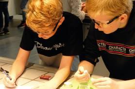Experimentierende Schüler