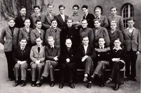 Die Unterprima im Jahre 1948 mit Lehrer Julius Hardt